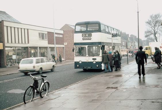 hull corporation buses Atlantean No. 198, 1973. (Malcolm Wells)