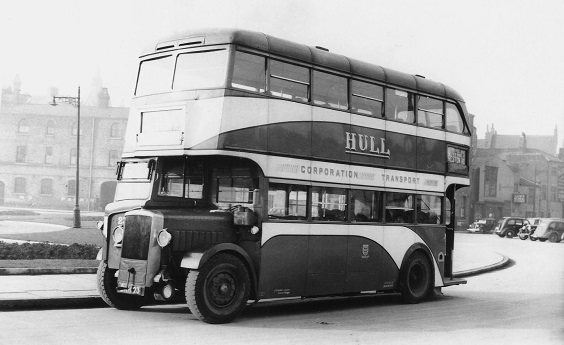 hull corporation buses Daimlers from 1937. (East Pennine Transport Group)