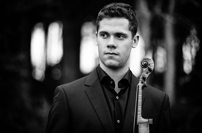 hull philharmonic review city hall december 2019 violinist