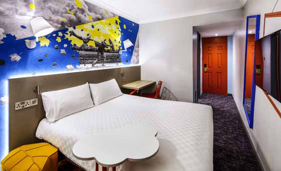 ibis Styles Manchester Portland Hotel review bedroom
