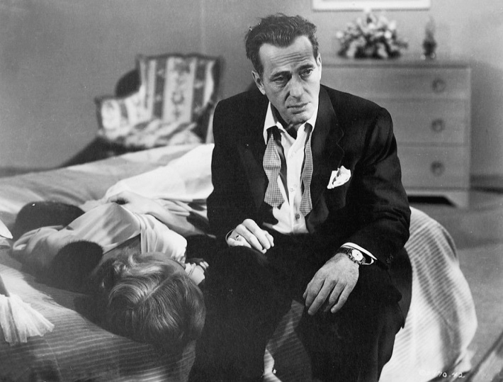 in a lonely place film review bogart
