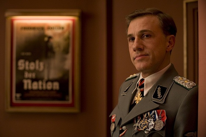 inglourious basterds film review waltz