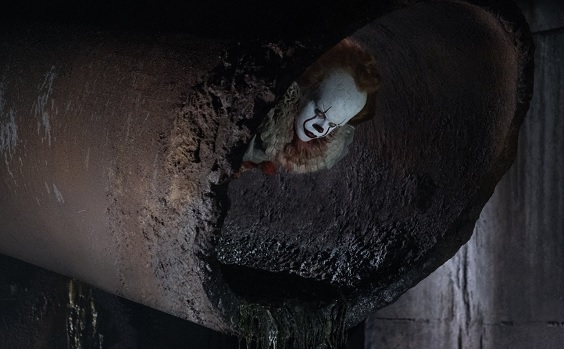 it 2017 film review clown in pipe