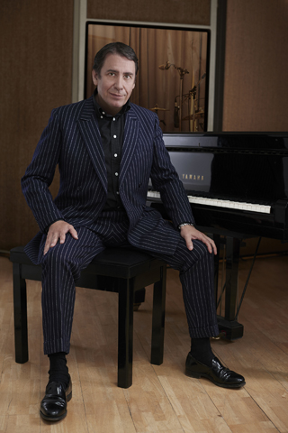 jools holland rhythm and blues orchestra review hull city hall june 2018 sitting