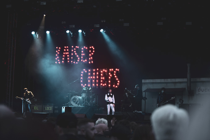 kaiser chiefs live review scarborough open air theatre band