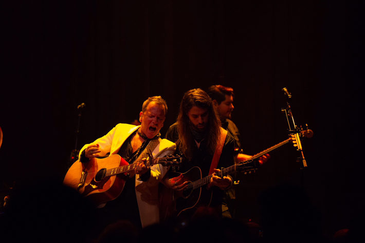 kiefer sutherland live review hull asylum october 2019 band