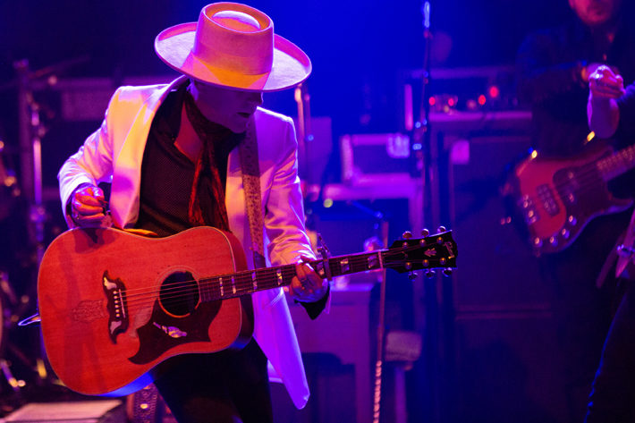 kiefer sutherland live review hull asylum october 2019 solo