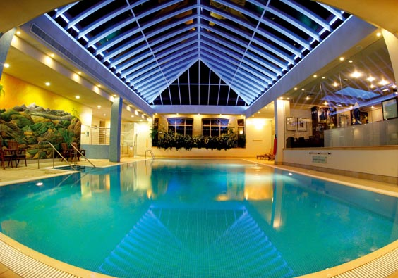 matfen hall review pool
