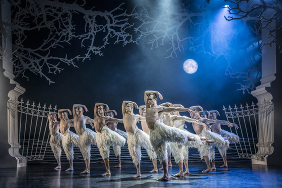 matthew bourne's swan lake review sheffield lyceum may 2019 troupe