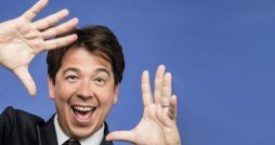 michael mcintyre live comedy review leeds arena may 2018 portrait hands (1)