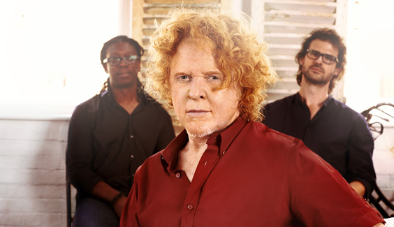 mick hucknall out of simply red