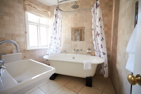miller of mansfield hotel review bathroom
