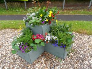 Hutton Cranswick New two-tier planter