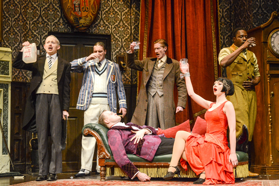 play that goes wrong review sheffield lyceum august 2018 cast