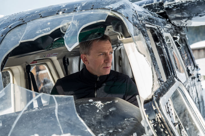 spectre film review helicopter