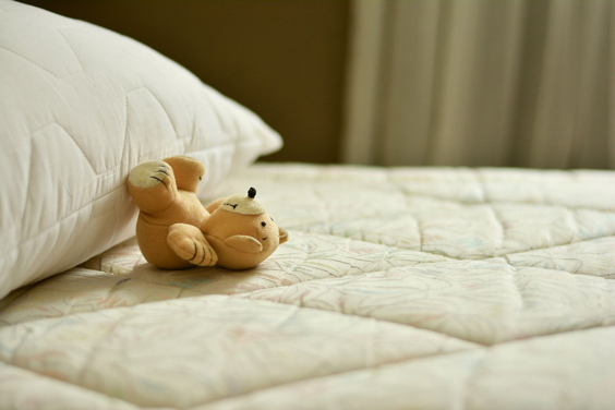 spring cleaning tips bed