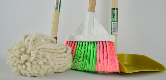 spring cleaning tips mop