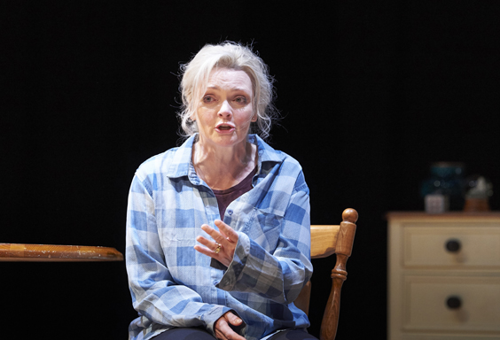 still alice review west yorkshire playhouse february 2018 Sharon Small