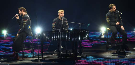 take that live review sheffield arena