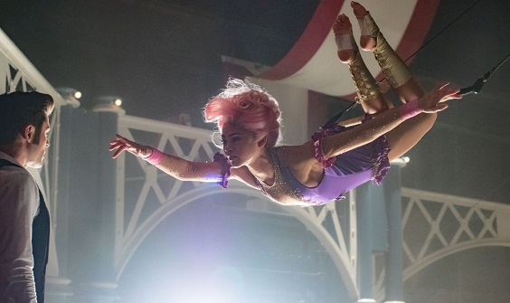 the greatest showman film review acrobat