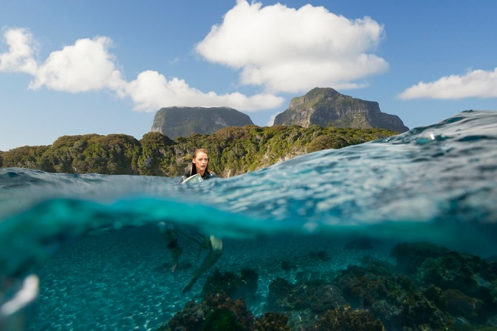 the shallows film review blake