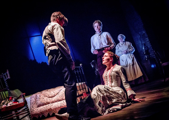 turn of the screw review york theatre royal may 2019 elliott