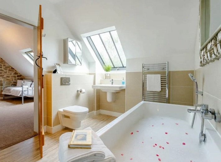 waterside barn derbyshire review bathroom