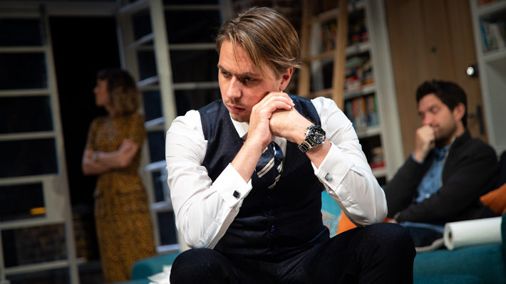 what's in a name review york grand opera house october 2019 joe thomas